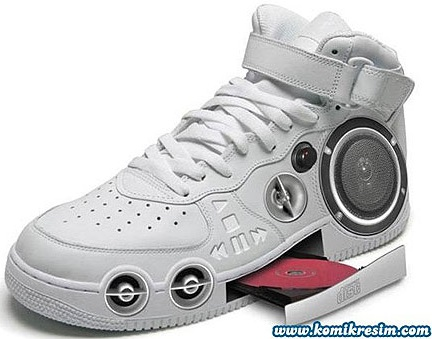 Mp3 and cd player shoes