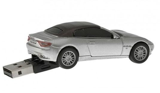 USB Maserati GranCabrio
