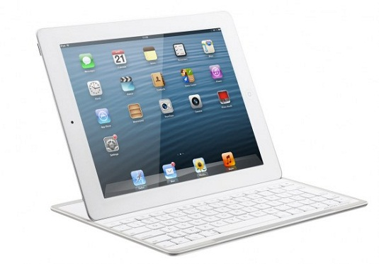 Archos Bluetooth Keyboard docked with an iPad