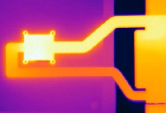 Liquid cooling for smartphones